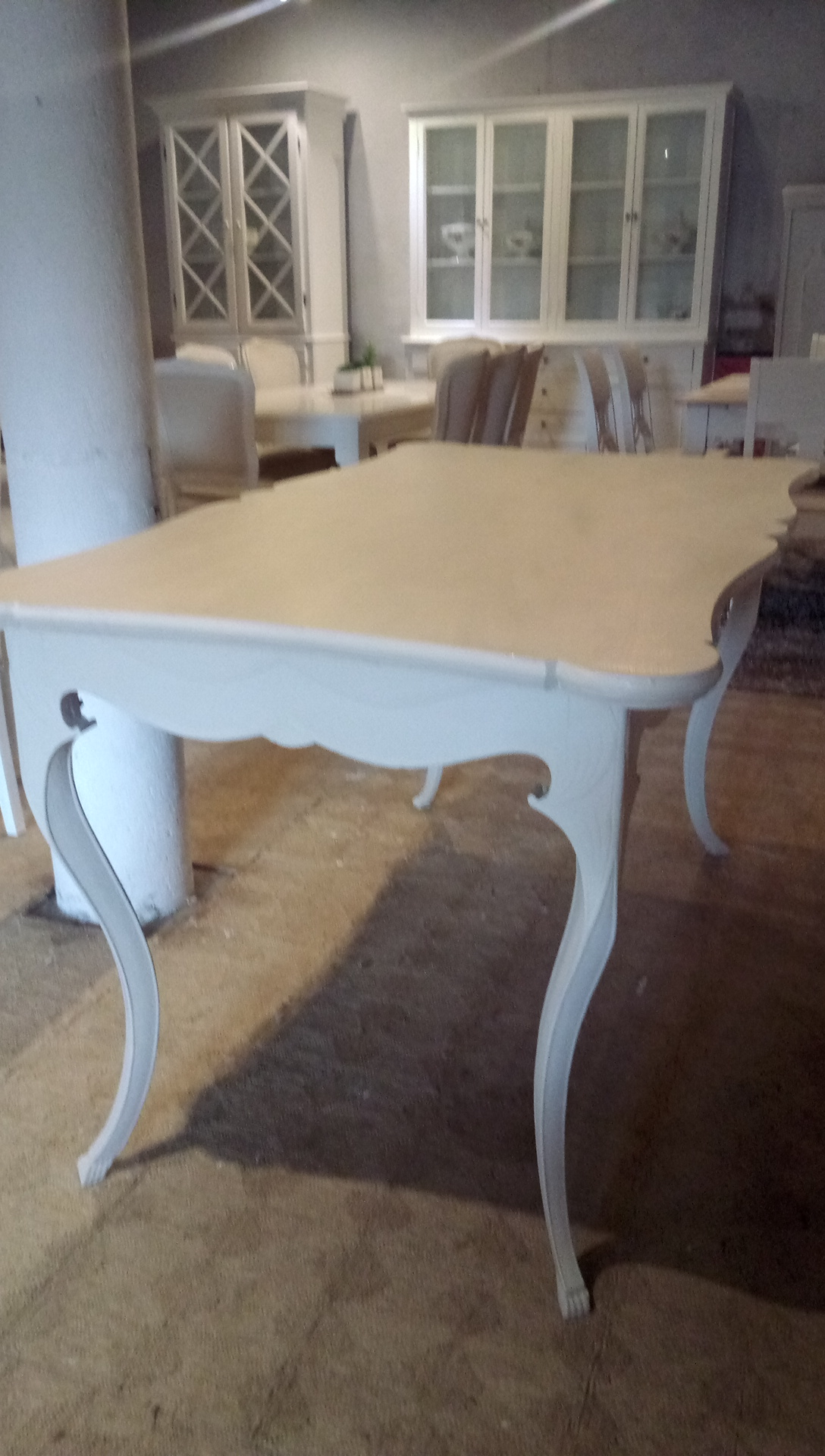 Antikt romantisk spisebord fra tysk slot – Kræmmerhallen i Herringløse